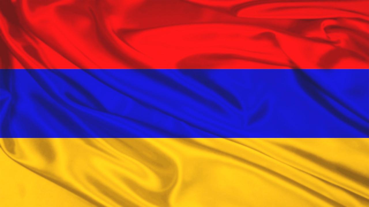 flag-armeniya-krasnyj-sinij-oranzhevyj